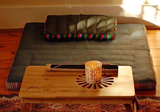 Un rinconcito para meditar en tu hogar for Decoracion de espacios para meditar
